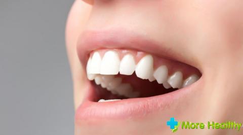 Dönmek güzel bir gülümseme kalıcı diş protezine yardımcı olacaktır