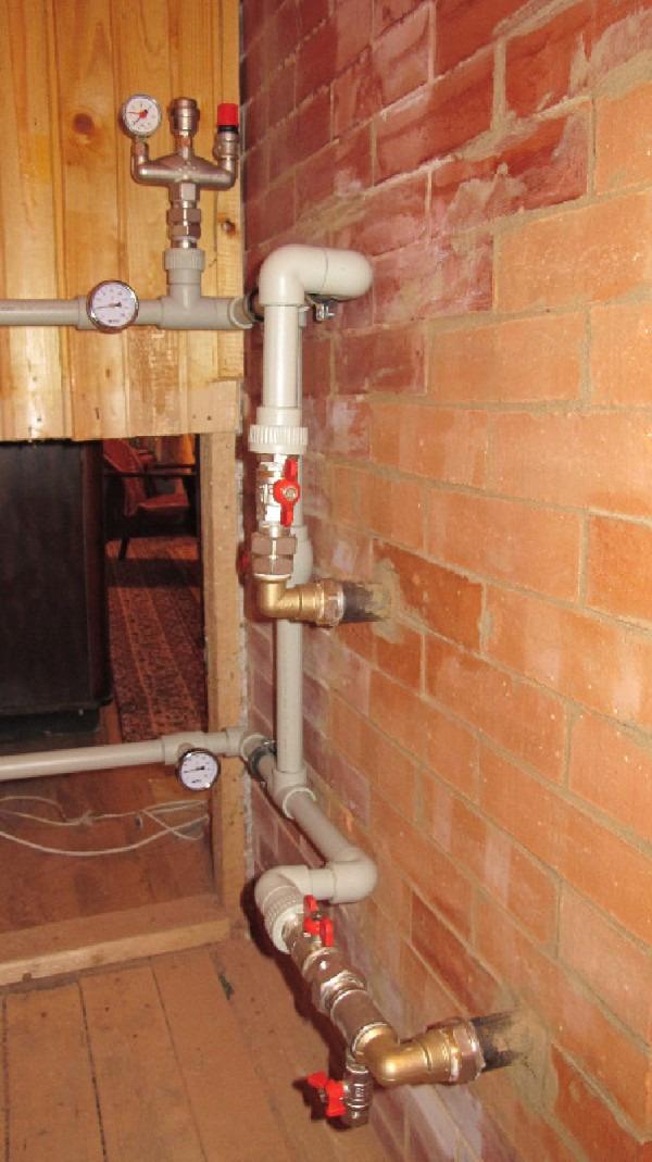 Ülke evinde su tahliye cihazı